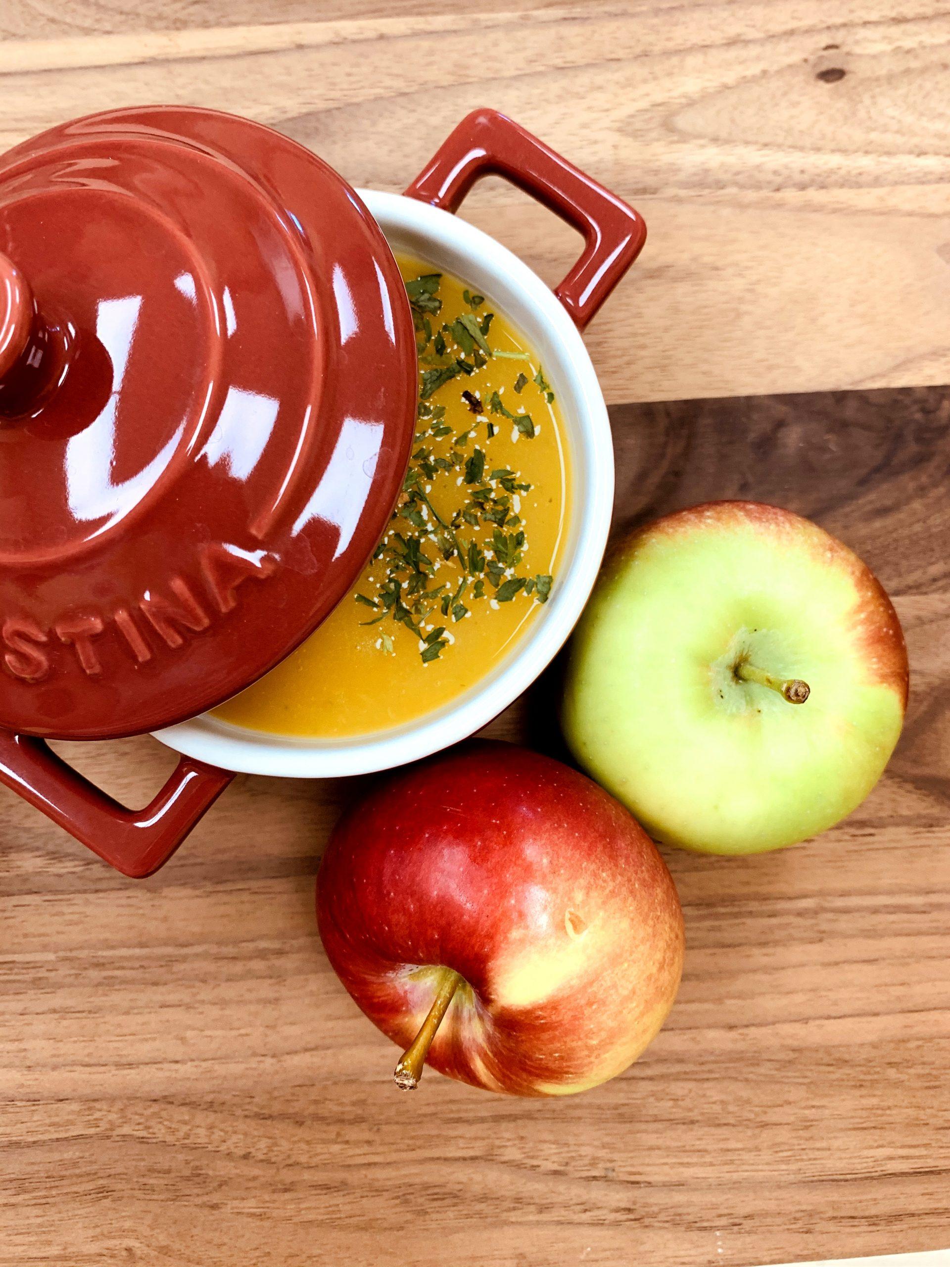 Potage aux pommes et à la courge butternut